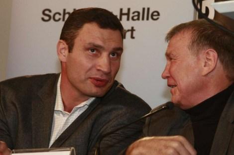 Vitali Klitschko mit seinem Trainer Fritz Sdunek. Copyright Werner Siebert