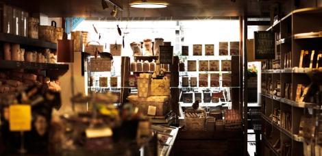 Новый огромный эко-рынок под названием Eat&Joy (Ешь & Наслаждайся) открылся в самом центре финской столицы Хельсинки.