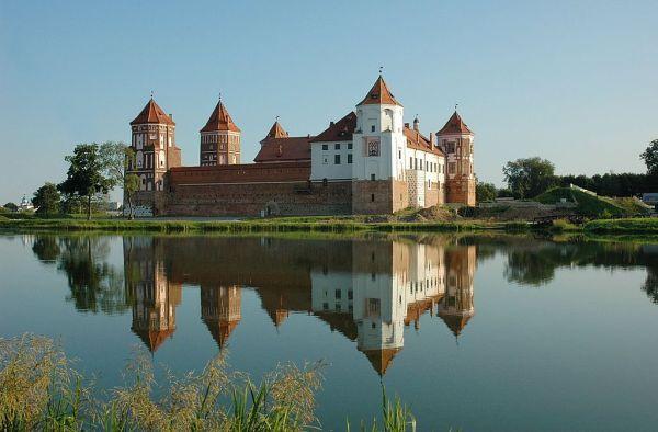 Мирский замок — легендарная крепость Беларуси