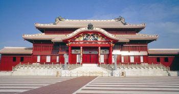 Замок Сюри - место обитания всех королей Японии