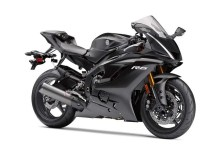 2017-yamaha-yzf-r6-low-res-02