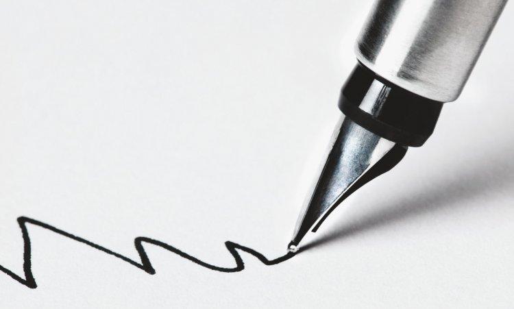 menentukan sudut pandang menulis