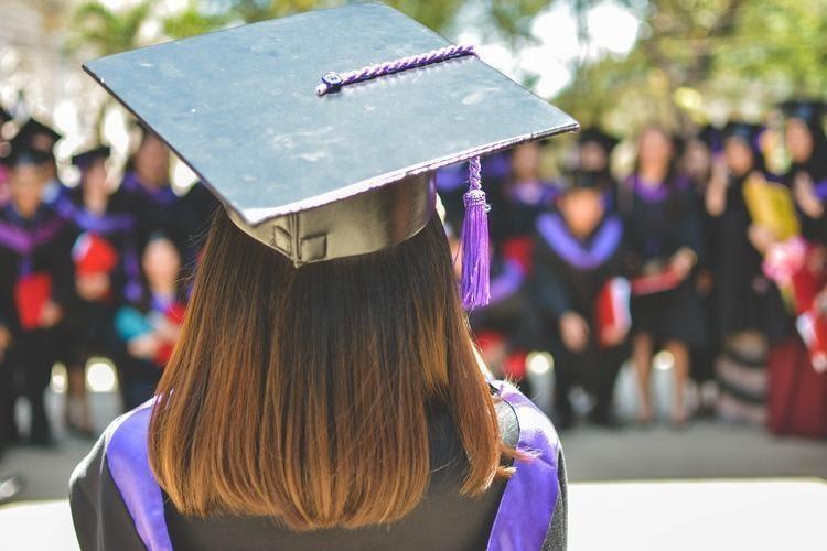 Ketahui 8 Prospek Kerja Lulusan Bahasa Inggris | Ruang Mahasiswa