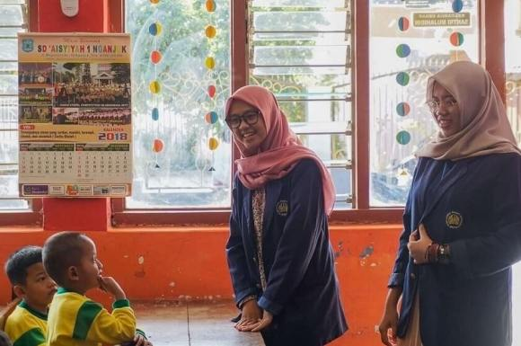 unesa masuk top 7 universitas keguruan di Indonesia