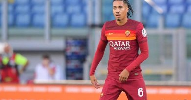 AS Roma Resmi Datangkan Chris Smalling dari Manchester United