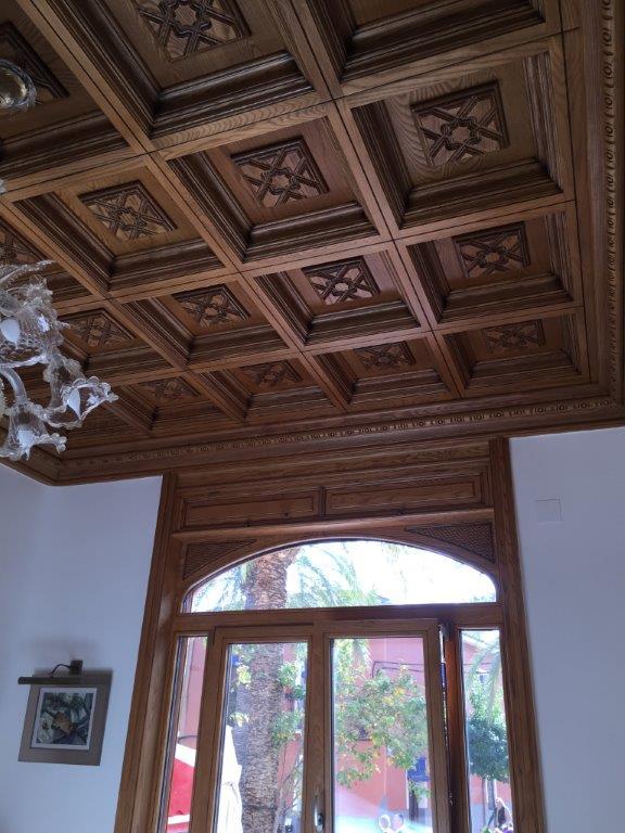 Vivienda de lujo en Alicante con techos artesonados muebles y puertas en madera de fresno  Ruartecontract Blog