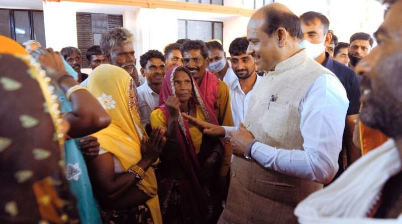 75 साल बाद गांव में आई बिजली, दिवाली से पहले मनी दिवाली -ग्रामीणों ने जताया लोकसभा अध्यक्ष बिरला का आभार