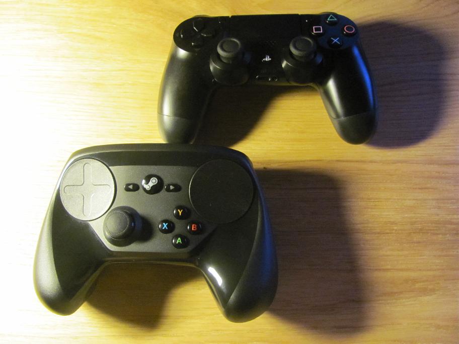 Steam controller é bem mais grosso que o Dualshock 4