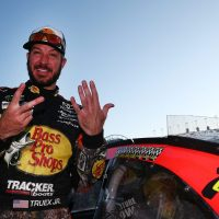 MENCS: Martin Truex Jr. Wins at Kansas; Round of 8 Drivers Set