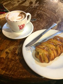 Café Belle Bonbon in Huertas. Best French-style pastries in Madrid.