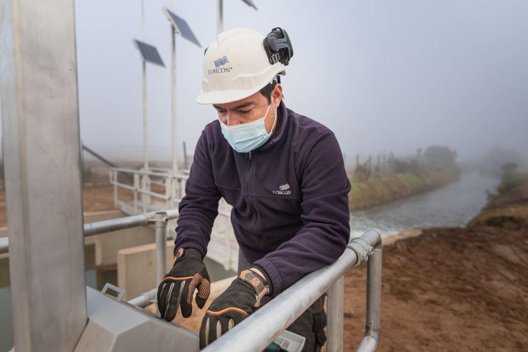 Rubicon Field Technician comissioning Automated Irrigation Control Gate for Bellavista in Chile