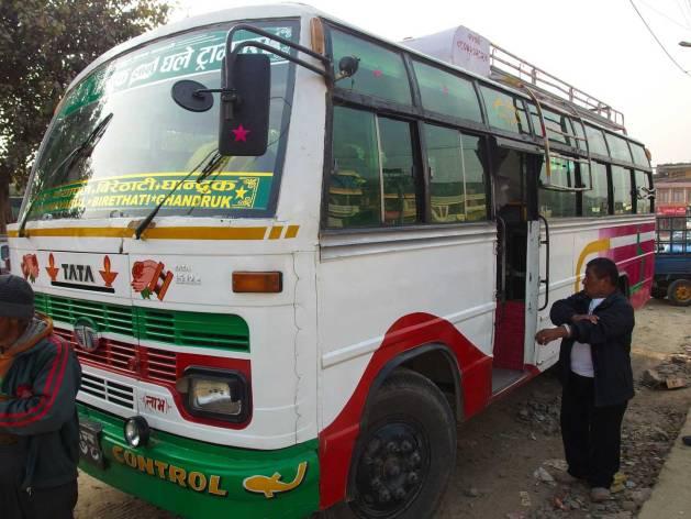 Bus lokal Pokhara Kimche