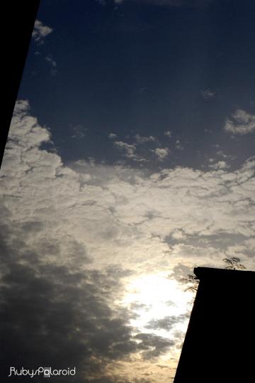 Warm sky by rubys polaroid