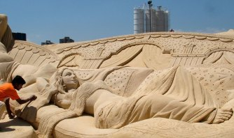 International-sand-art-festival-Konark-e1415692791250