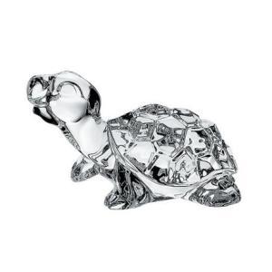 Kryształowa figurka o kształcie żółwia.