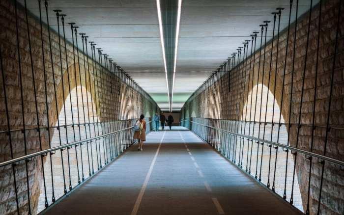 Luksemburg most adolfa wnetrze