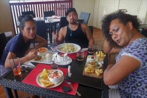 Mittagessen in Nukuʻalofa Tonga