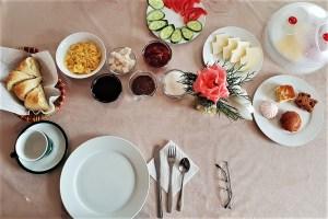 Frühstück in Karakol