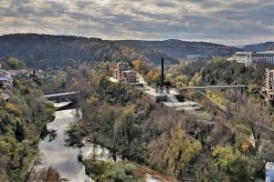 Asenevtsi Denkmal und Stambolov Brücke, Weliko Tarnowo, Bulgarien