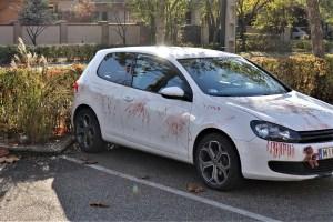 Auto mit Halloween Bemalung