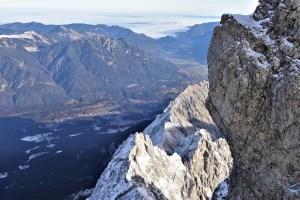 Blick ins Tal von der Zugspitze, Deutschland