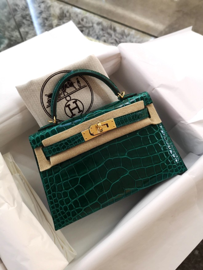 Hermes kelly mini II emerald.jpg