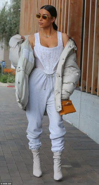 Kim-kardashian-kelly mini II moutard.jpg