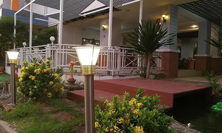 Apartment Ruen Benjamart Guest House Hat Yai Book