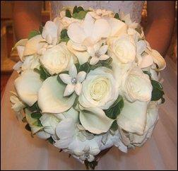 Winter Wedding Flower Idea
