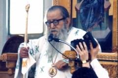 Mitropolitul Augustin predicând Cuvântul lui Dumnezeu