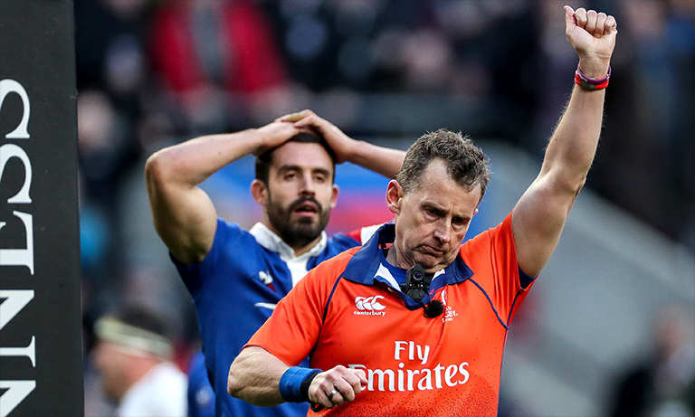 Nigel Owens responds to tweet criticising decision to award England penalty try