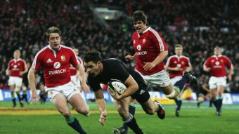 dan-carter-all-blacks-british-and-irish-lions_3035286