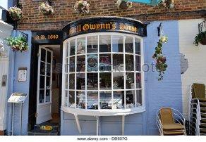 nell-gwynns-house-tearooms-in-windsor-berkshire-db857g