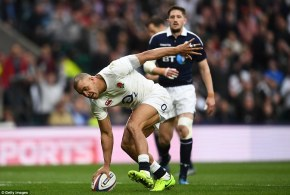 3E2B393000000578-4304242-Jonathan_Joseph_calmly_places_the_ball_over_the_line_to_complete-a-61_1489261261288