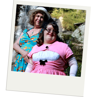 Debra and Sara Ruh at Maymont Park in Richmond, Virginia. Wearing Pinup Girl Clothing