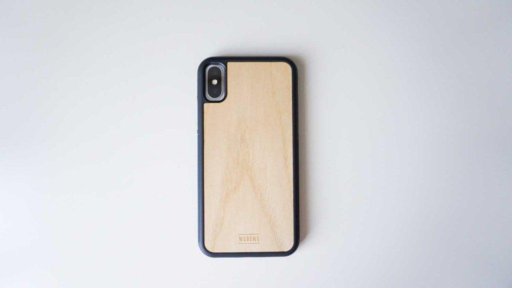 WOODWEiPhoneケースをiPhoneXに装着