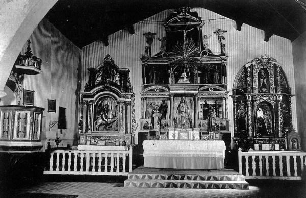 Altar mayor de la iglesia de Santa María Magdalena de Ossa de Montiel en los años 20 del siglo XX