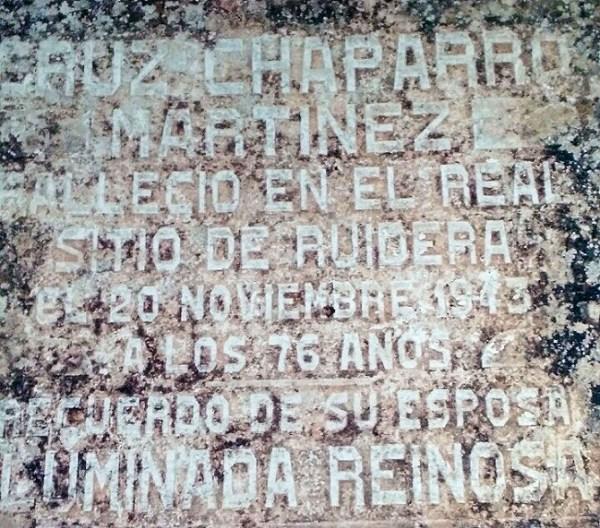 Lápida de uno de los 57 cabezas de familia de Ruidera en 1895