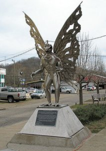 Mothman_statue_in_Point_Pleasant,_West_Virginia