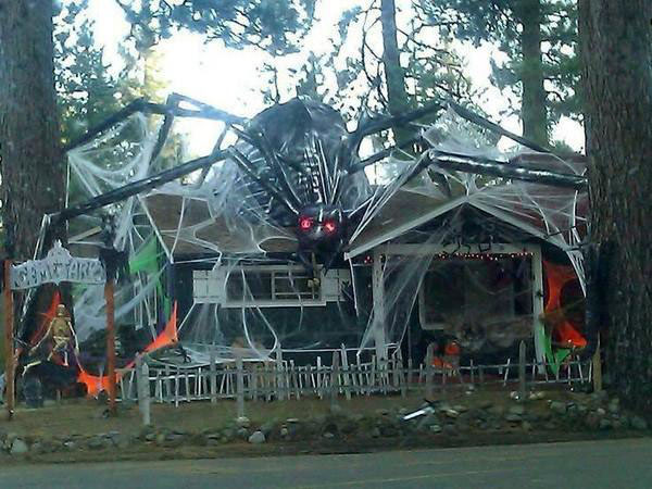 Apparently Its Time To Step Up Your Halloween Decorations