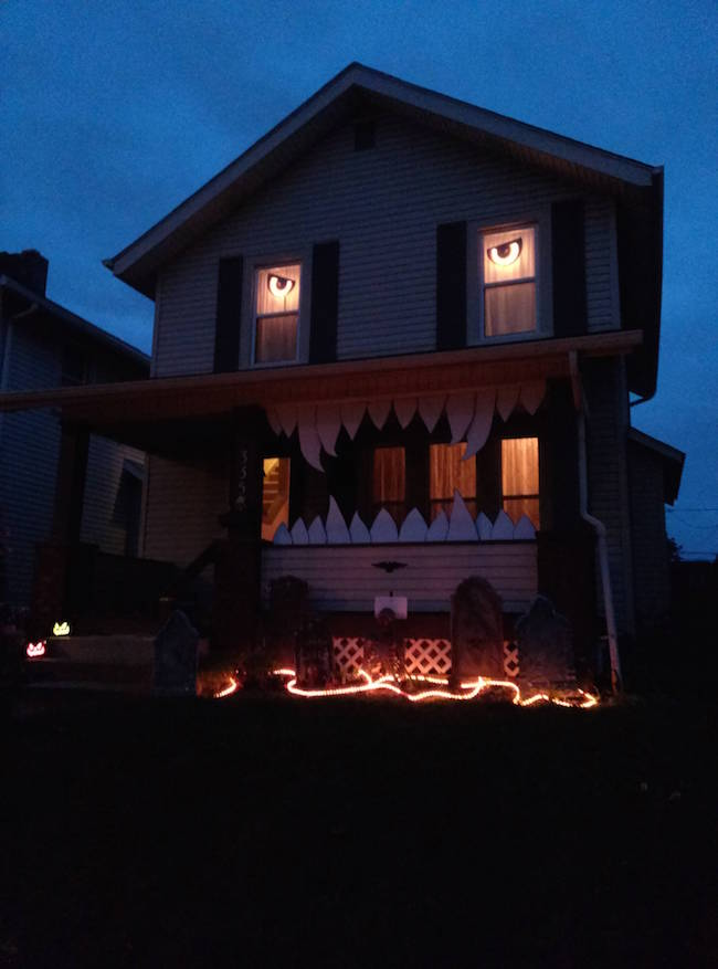 Apparently Its Time To Step Up Your Halloween Decorations Game