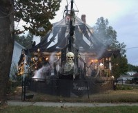 Apparently It's Time To Step Up Your Halloween Decorations ...