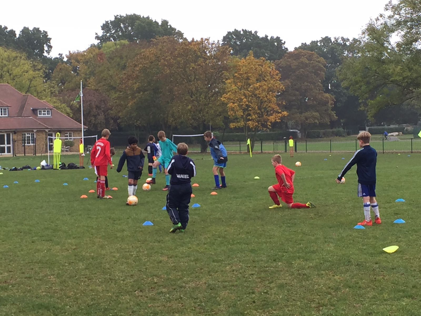 BOOK NOW – The Ruislip Rangers Half-Term Football Course