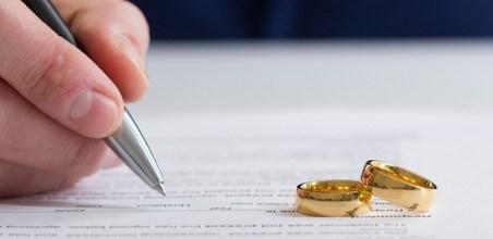 Cómo gestionar los contratos de la vivienda tras un divorcio