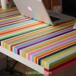 Модный красочный стол