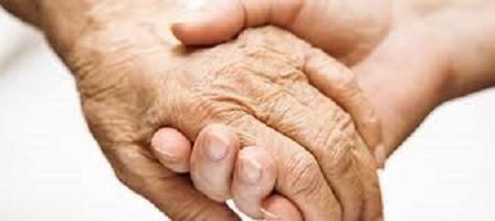Присмотр за престарелыми приравняют к типу государственного страхования