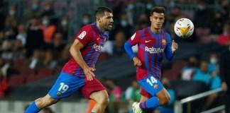 Agüero debuts as Barcelona romp