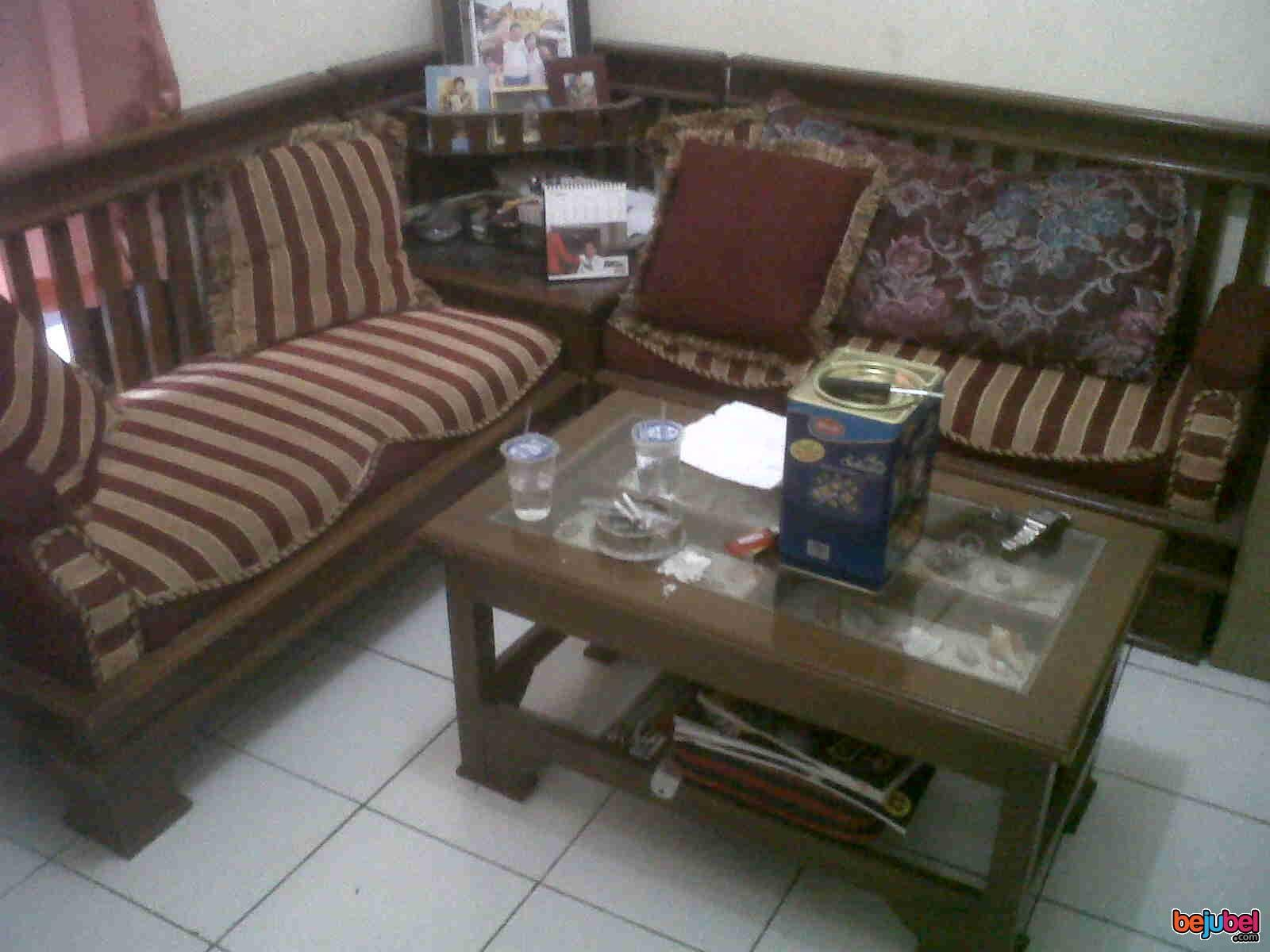 Furniture Ruang Tamu Minimalis