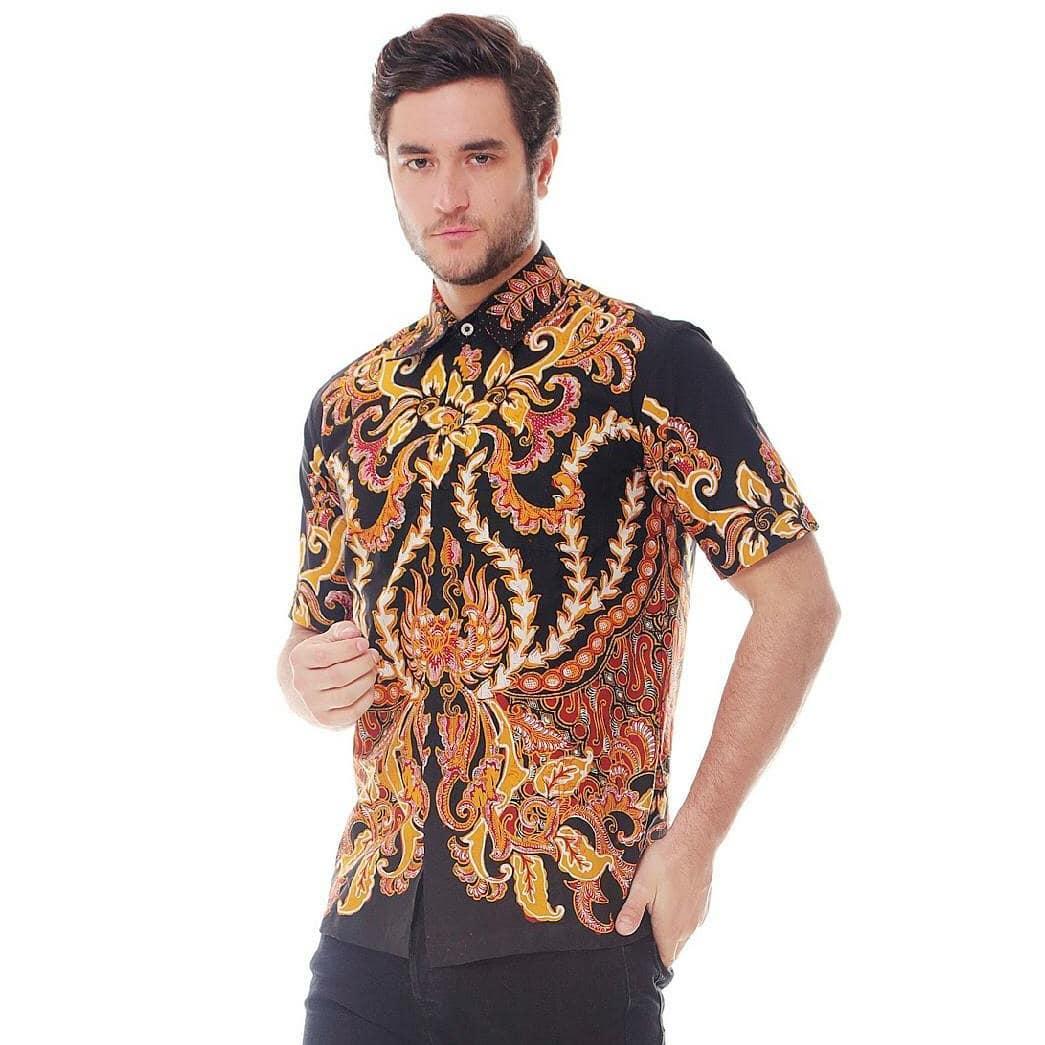 You are currently viewing Coba Model Baju Batik Pria Untuk 3 Suasana Ini Yuk!