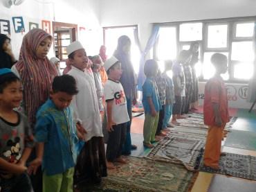 Kegiatan Belajar Sholat di Rumah Cerdas Islami (36)